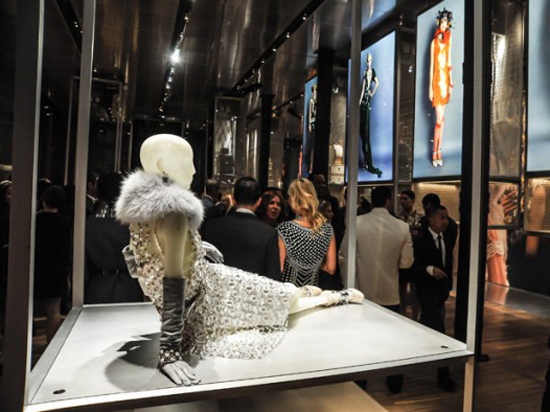 Martin_Prada_Exhibit_Atmosphere_6_BFA-640x425