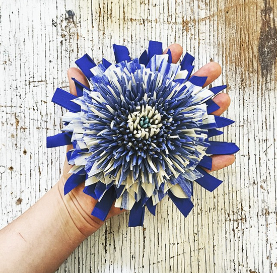 POD_Zemer Peled_flower in hand